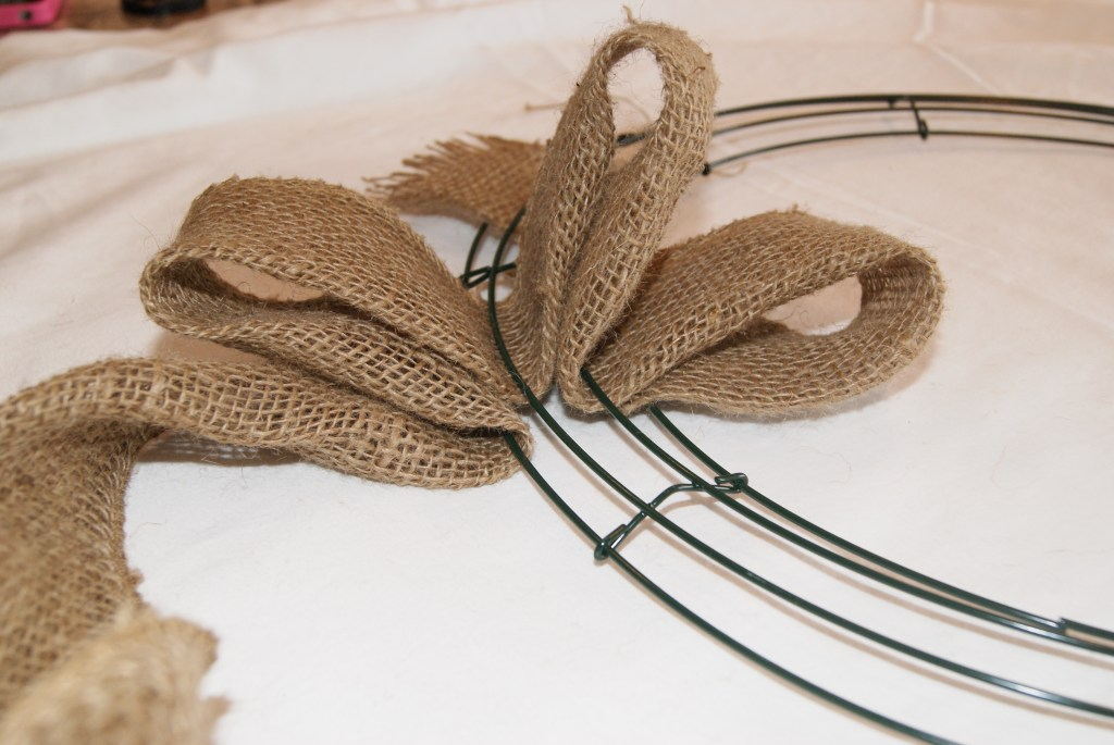 easy DIY burlap wreath