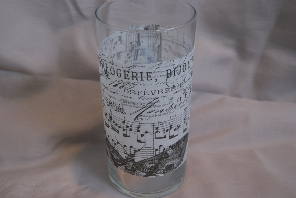 plain glass vase makeover  canarystreetcrafts.com
