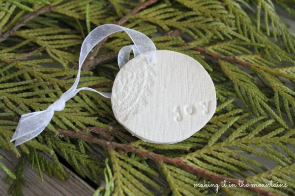 6-Rustic-Clay-Christmas-Ornaments-making-it-in-the-mountains