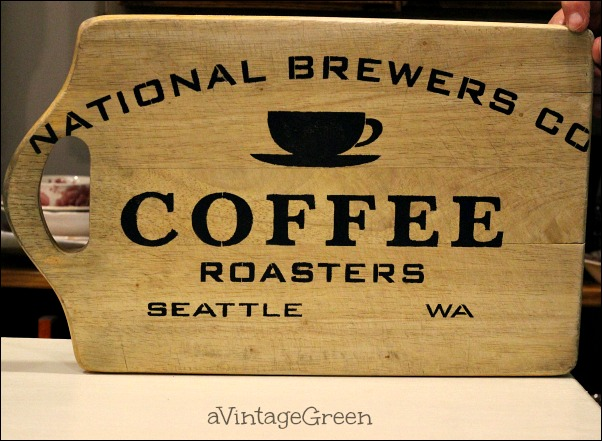 Stenciled Cutting Board {A Vintage Green}