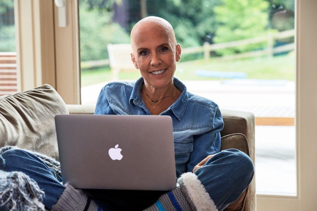 Delphine Remy ecrit son blog sur son combat contre le cancer du sein, Cancer, je gere