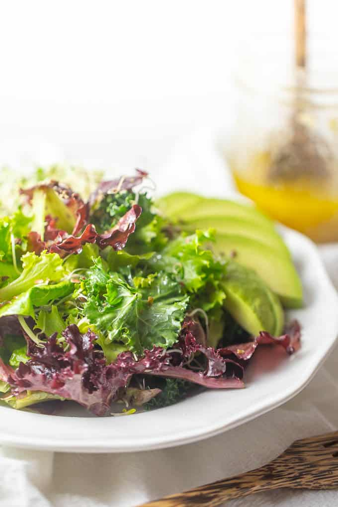 Cancer fighting salad with flax vinaigrette