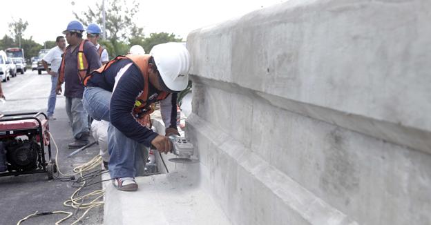 Demolicon muro puente calinda