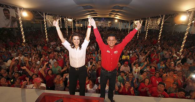 Fredy Marrufo y Lilia Mendoza