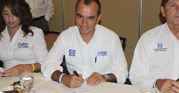 Julián Aguilar comparmex