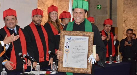 Rafael Correa llega a Argentina para recibir honoris causa en universidad