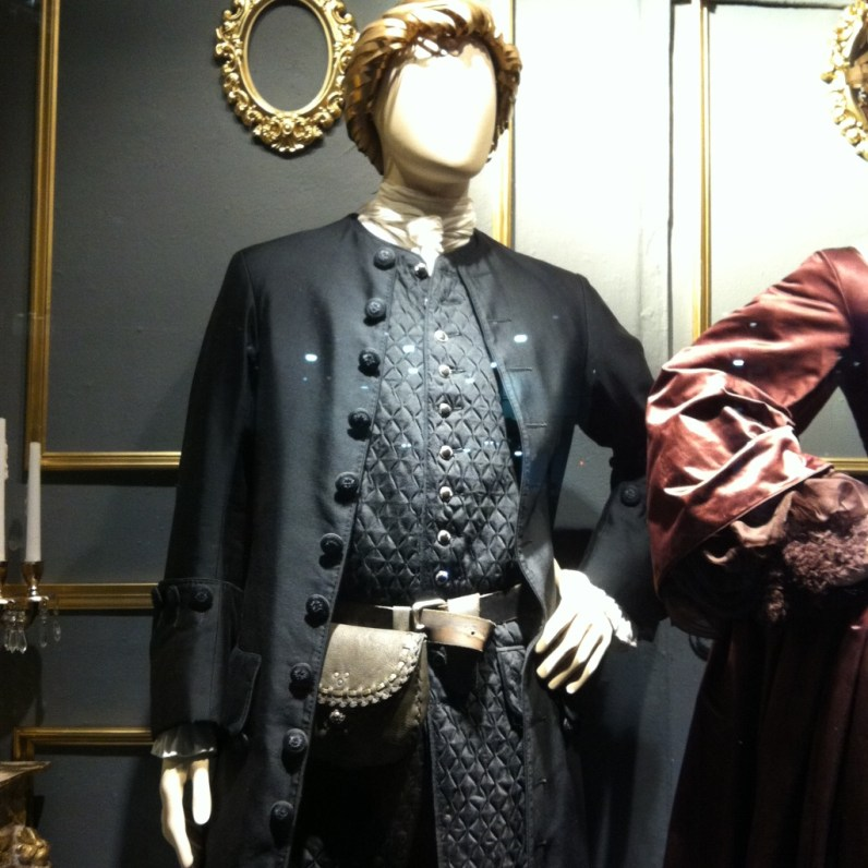 OL S2 burgundy dress 5
