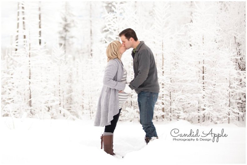Kelowna_Baby_Bump_Photographers_Winter_TA_0014