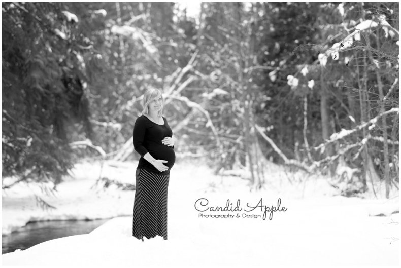 Kelowna_Baby_Bump_Photographers_Winter_TA_0027
