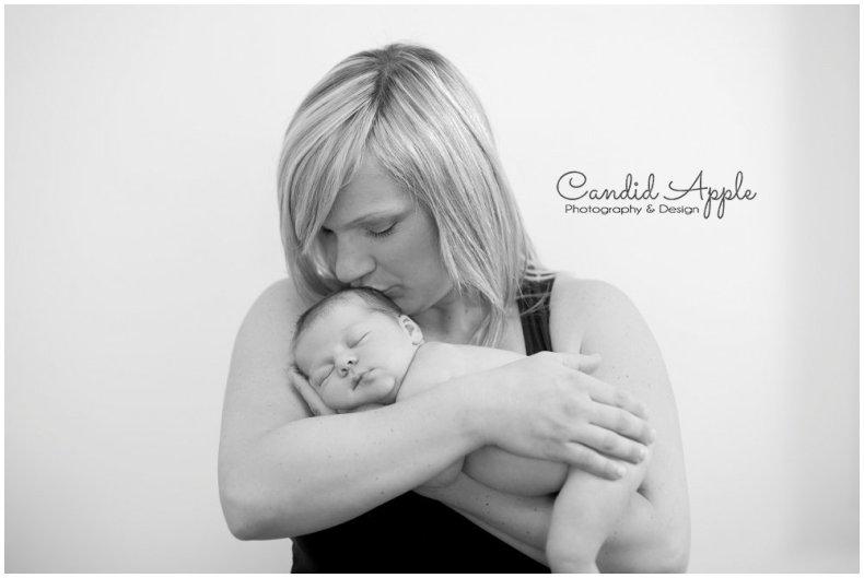 Vernon_Newborn_Portrait_Photographers__0013