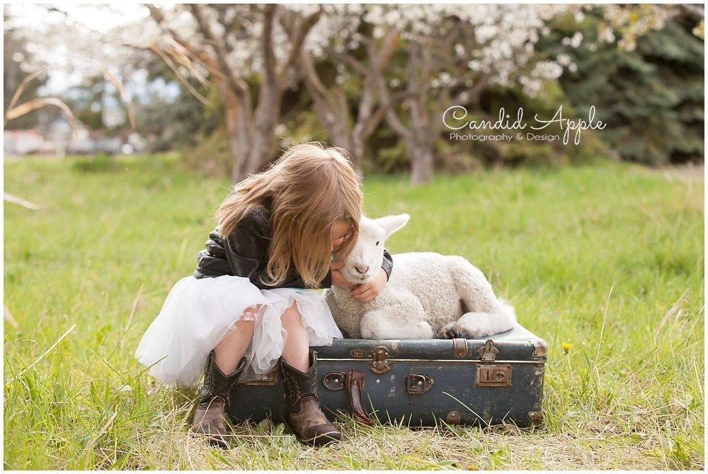 Sloane | Springtime On the Farm