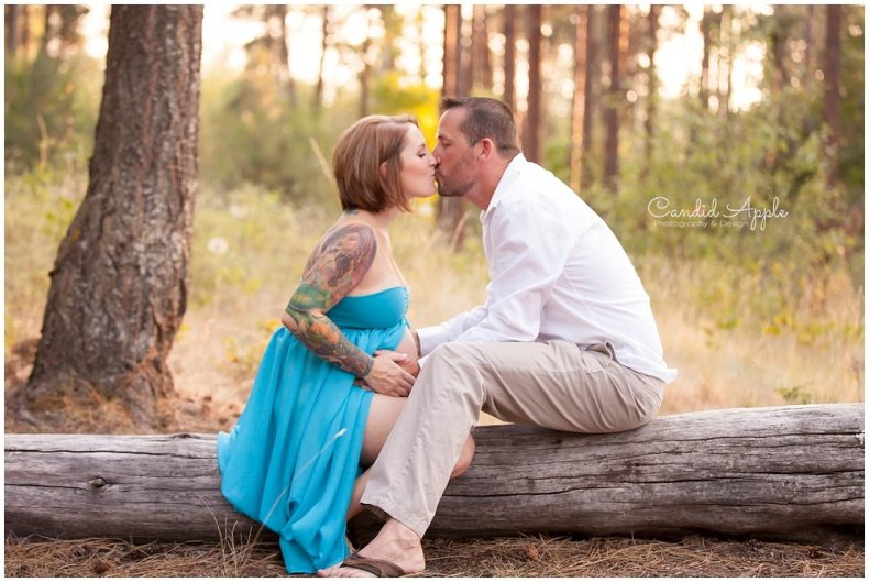 Kelowna_Mission_Creek_Park_Maternity_Photographers_00004