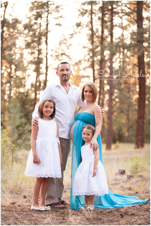 Kelowna_Mission_Creek_Park_Maternity_Photographers_00008