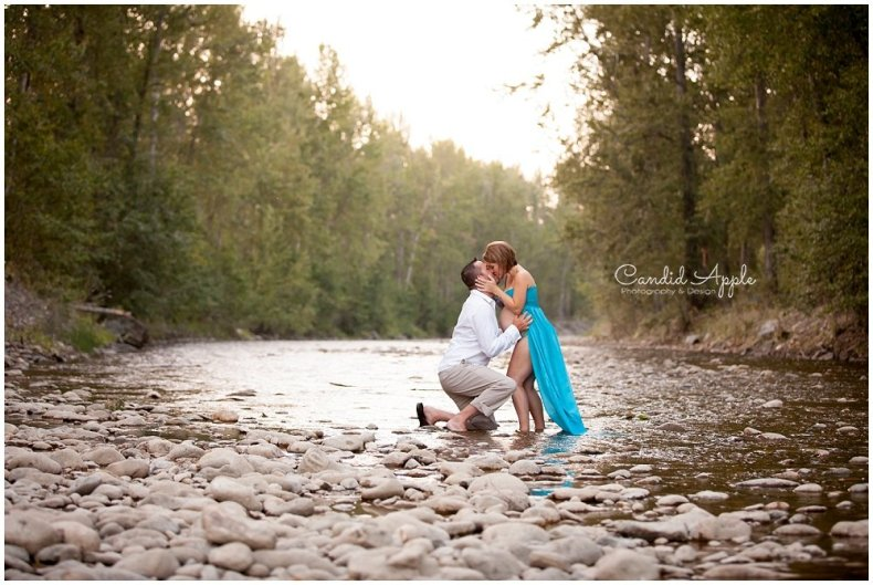 Kelowna_Mission_Creek_Park_Maternity_Photographers_00025