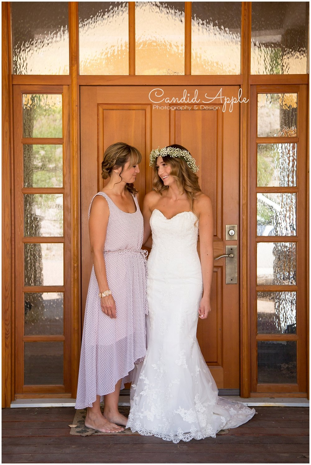 Sanctuary_Garden_West_Kelowna_Candid_Apple_Wedding_Photography_0012