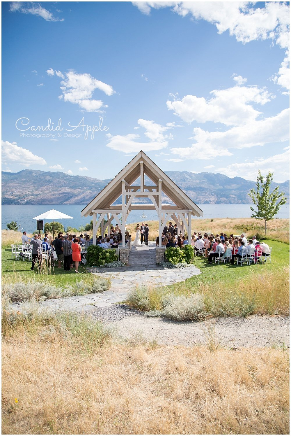 Sanctuary_Garden_West_Kelowna_Candid_Apple_Wedding_Photography_0028