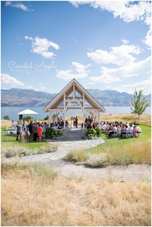 Sanctuary_Garden_West_Kelowna_Candid_Apple_Wedding_Photography_0028