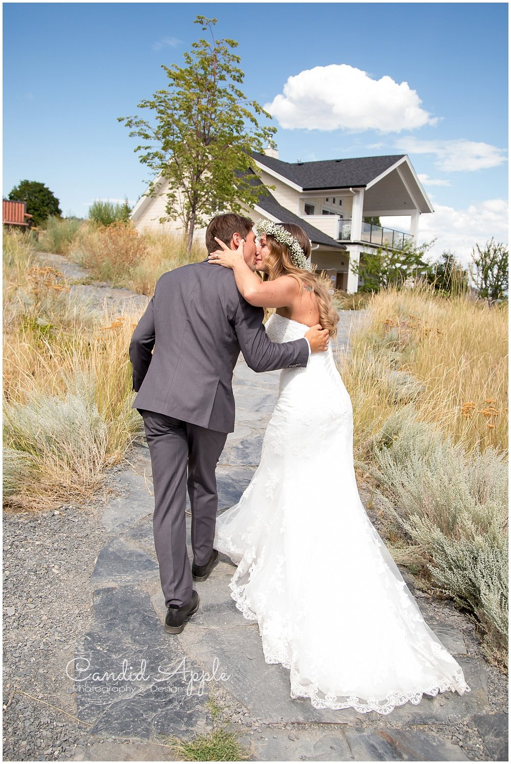 Sanctuary_Garden_West_Kelowna_Candid_Apple_Wedding_Photography_0047