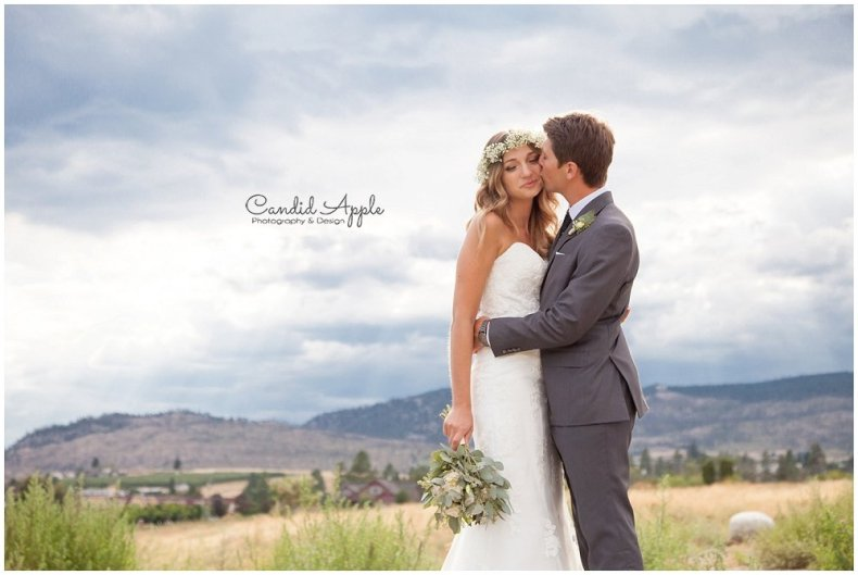 Sanctuary_Garden_West_Kelowna_Candid_Apple_Wedding_Photography_0069