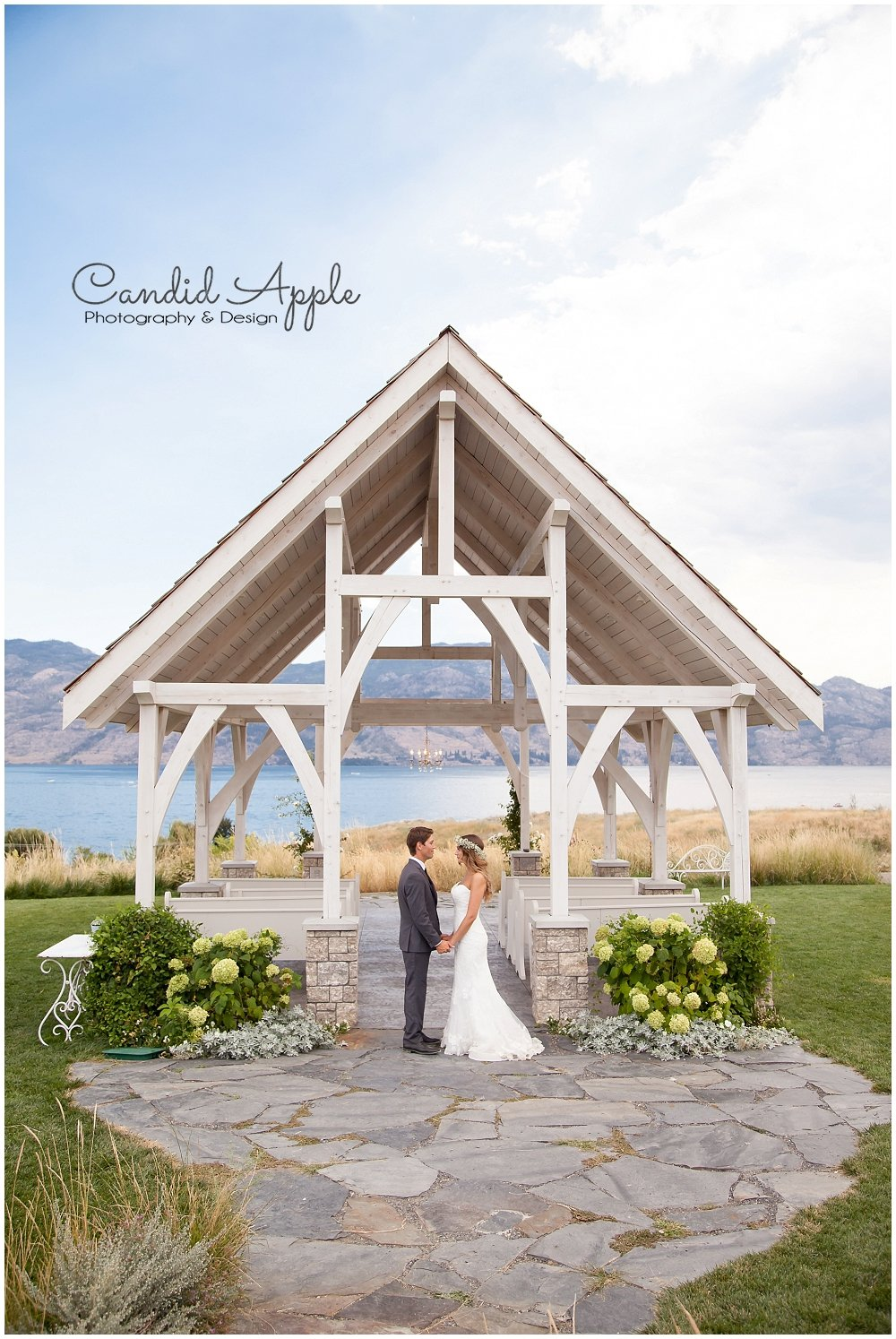 Sanctuary_Garden_West_Kelowna_Candid_Apple_Wedding_Photography_0075