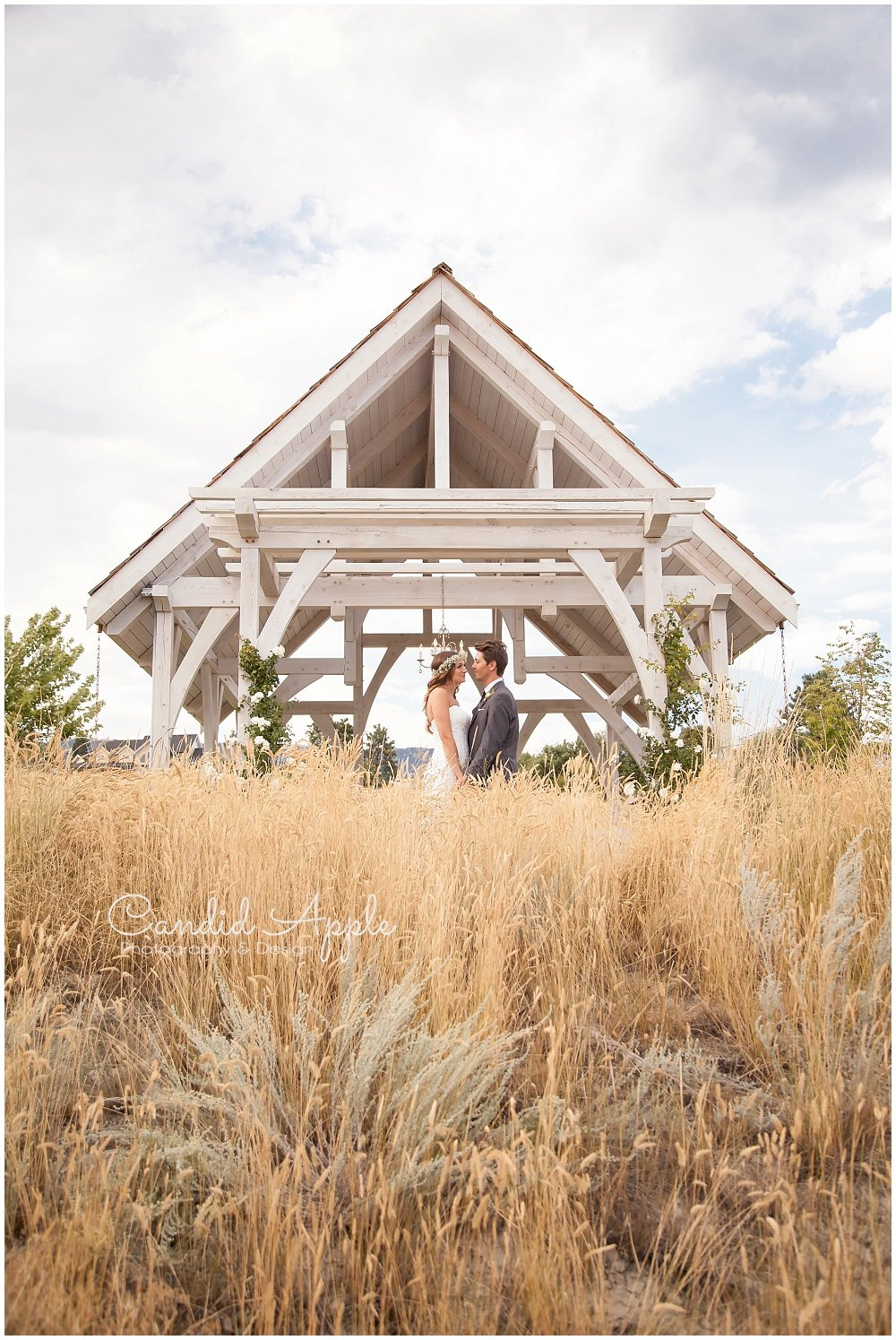 Sanctuary_Garden_West_Kelowna_Candid_Apple_Wedding_Photography_0087