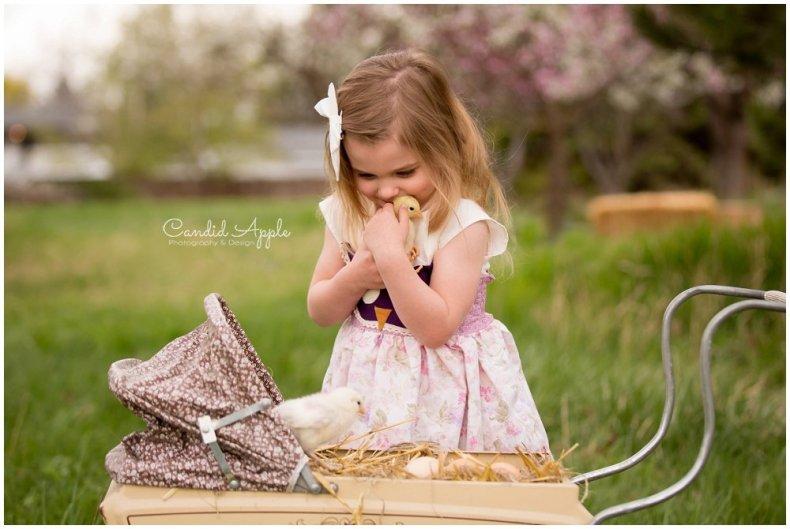 Kelowna-Springtime-On-the-Farm-Photographers_0115