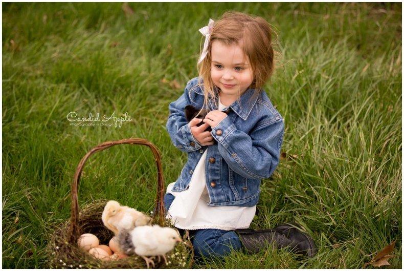 Kelowna-Springtime-On-the-Farm-Photographers_0121