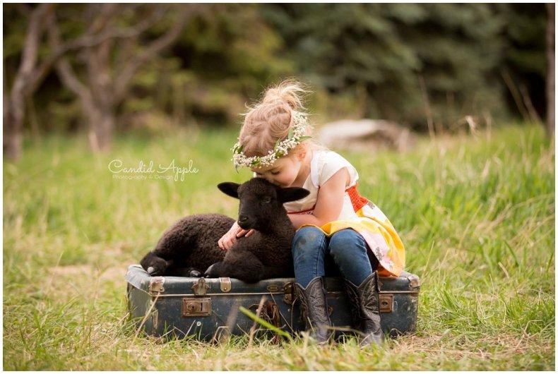 Kelowna-Springtime-On-the-Farm-Photographers_0133