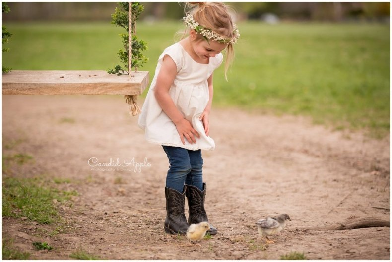 Kelowna-Springtime-On-the-Farm-Photographers_0140