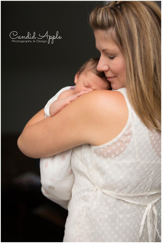 Kelowna-Lifestyle-Newborn-Photographers_0035