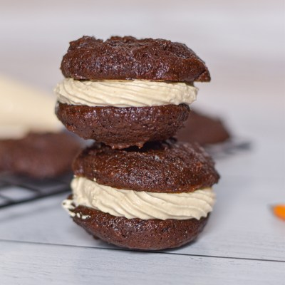 Chocolate Peanut Butter Whoopie Pies 1