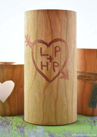 Faux Wood Valentine's Candles @ Craft Gossip