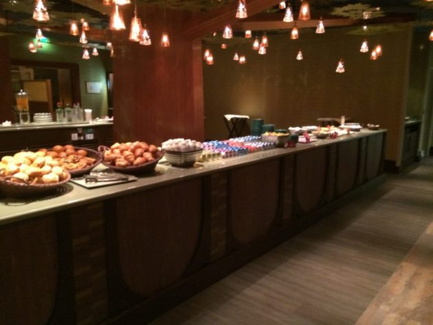 Golden Forest Breakfast, Golden Forest Club, Sequioa Lodge Hotel Review