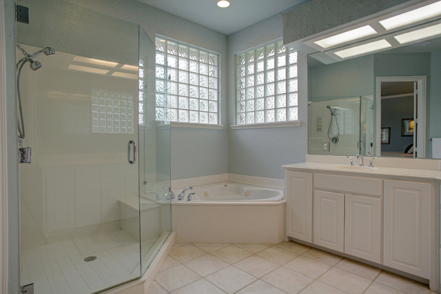 6017_wildwood_dr_MLS_HID995548_ROOMmasterbathroom1