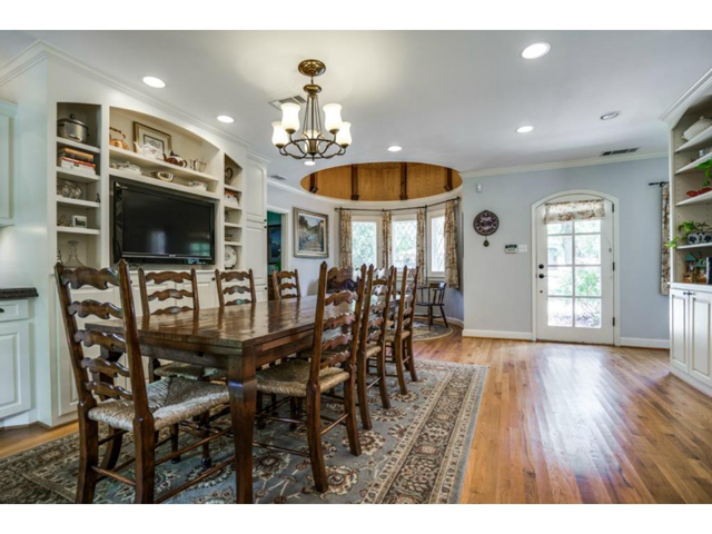6426 Meadow Dining 2
