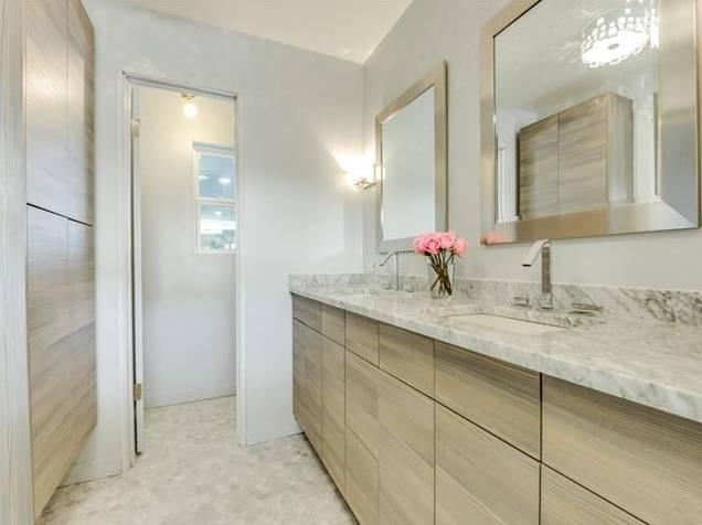 3239 Whirlaway Road Master Bath 2