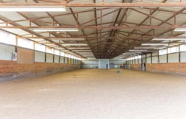 equest 15 indoor arena