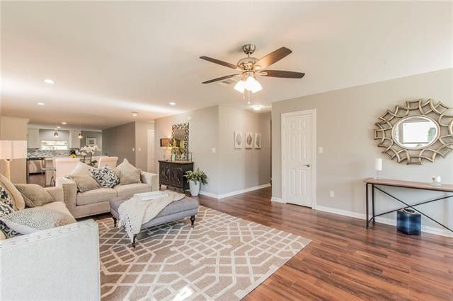 Totally Move-in Ready: Even the Furniture Is for Sale in this Midway Hollow Home | CandysDirt.com