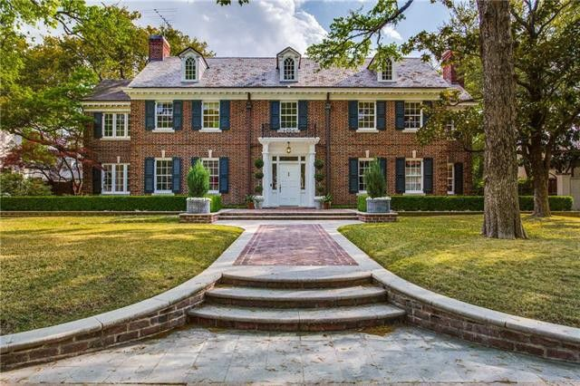 When a $4 million home becomes available for lease, potential renters will run, not walk, for the chance to live in a gorgeous Highland Park mansion.