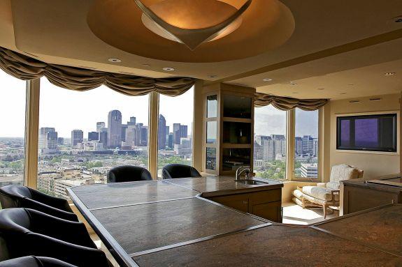 LaTour penthouse kitchen 4