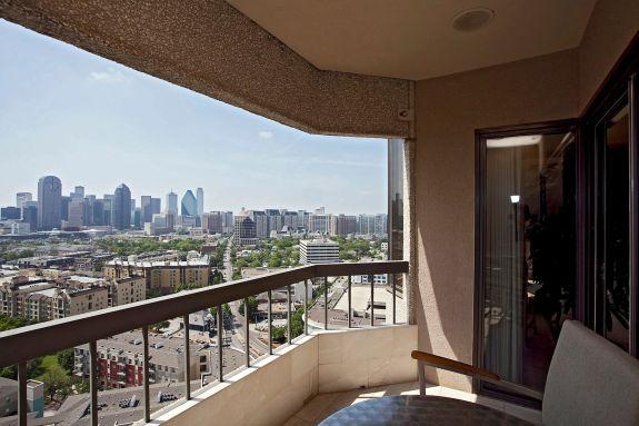 Latour penthouse patio