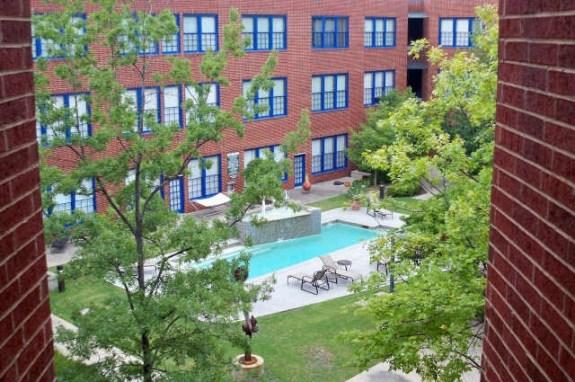 Live Oak Courtyard