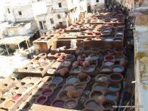 A zona dos tintureiros é das mais antigas e características da velha medina de FEZ