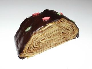 Bûche de crêpes à la mousse au chocolat noir et aux poires3
