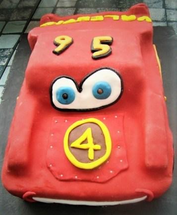 Gâteau cars en pâte à sucre (2)