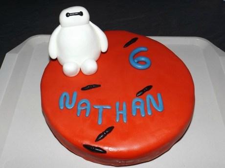 Gâteau en pâte à sucre Baymax pour Nathan