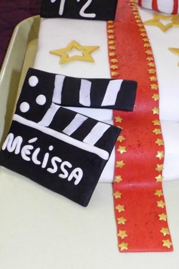 Gâteau en pâte à sucre thème cinéma ( 12 ans de Mélissa )2