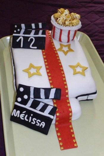 Gâteau en pâte à sucre thème cinéma ( 12 ans de Mélissa )