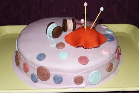 Gâteau pâte à sucre thème couture3