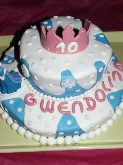 Gâteau Princesse Reine des Neiges en pâte à sucre pour Gwendoline2